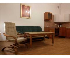 Do wynajęcia 2 pokojowe (39 m2) mieszkanie w Oleśnicy z dużym balkonem na ul. Reja.