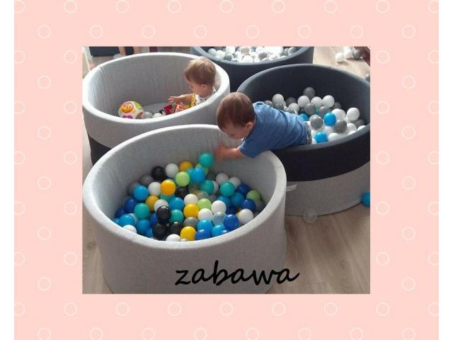 Suchy basenik BabyBall z piłeczkami dla dzieci